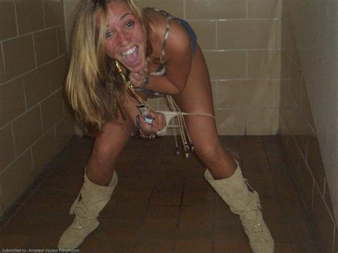 Girls peeing picture galleries az gals free porn from a jpg 1600x1200
